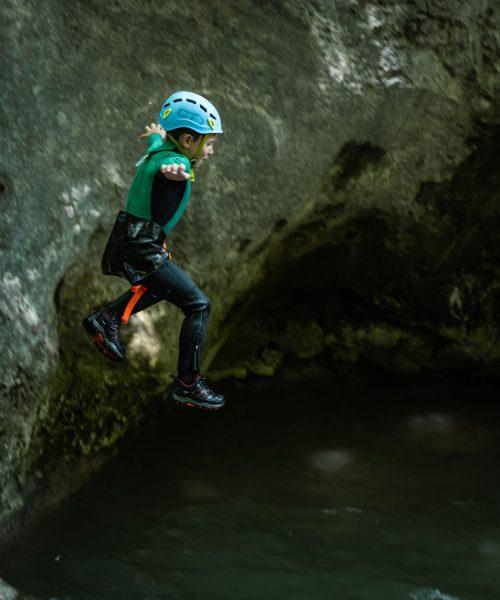 Journée canyoning avec enfants dans les Alpes