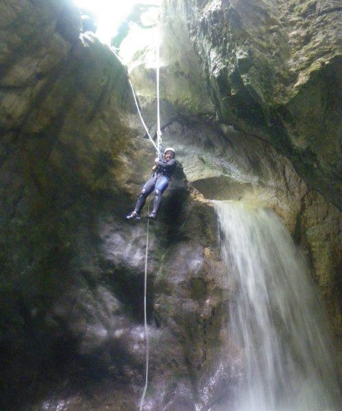Descente en rappel canyoning