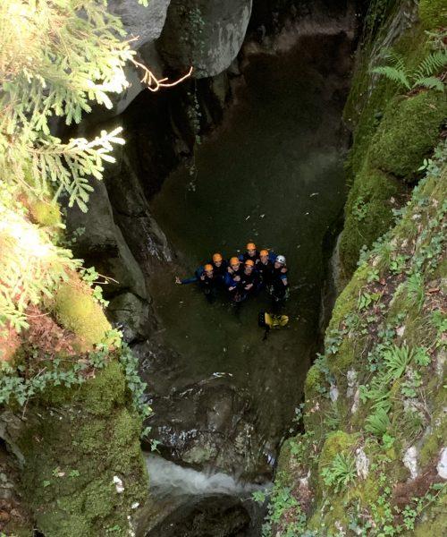 Groupe au fond canyon